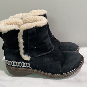 UGG Black Leather Suede Boots Size 7